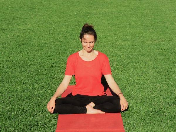 Variante für Lotus-Sitz im Yoga